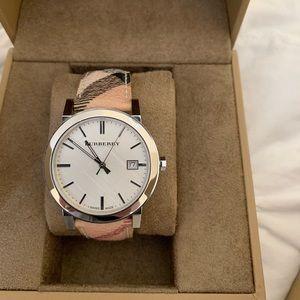 Burberry woman's watch